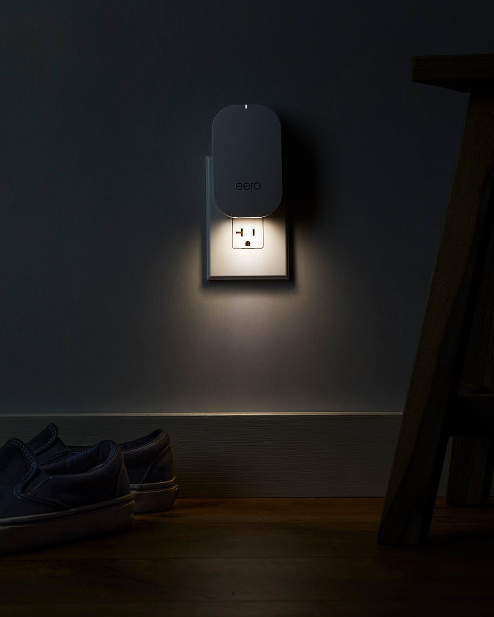 eero Beacon with Nightlight on
